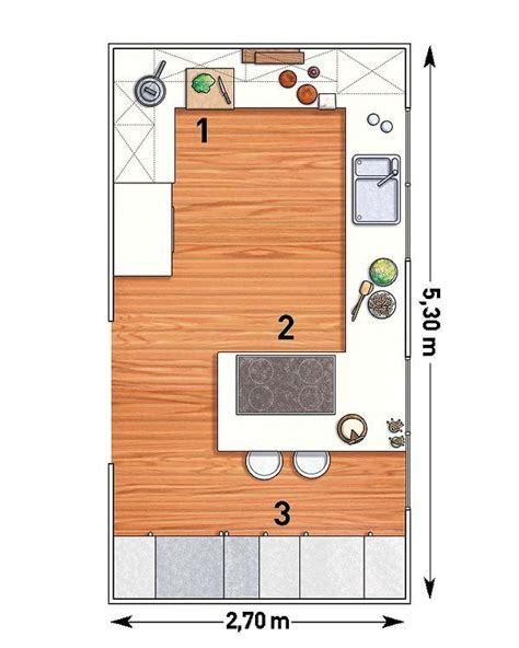 una cocina rectangular  peninsula  imagenes