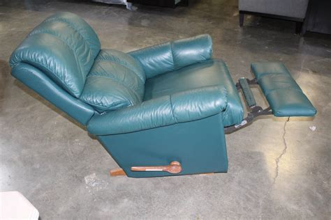 green lazy boy recliner green leather lazy boy recliner big valley auction