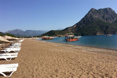 russian beach russian tourists hit the beaches of turkey as ties improve