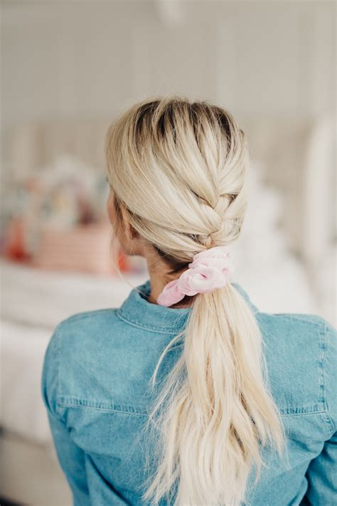 ways  wear  scrunchie twist  pretty