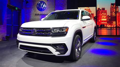 volkswagen atlas white with black vw atlas r line shows its sporty side in detroit