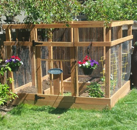 ana white garden enclosure  custom gate diy