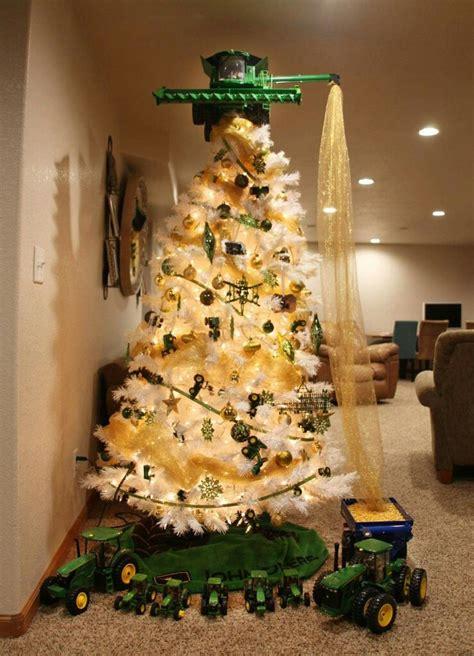 cool tree somebody loves john deere christmas pinterest