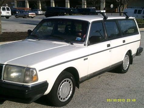find   volvo  station wagon spd  row seat  orig miles  reserve