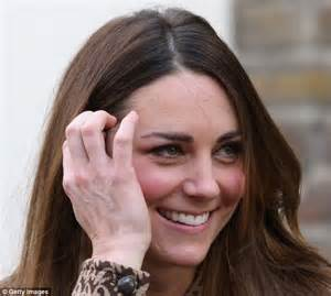 kate middleton wrinkles on forehead kate middleton is a moron her skirt flew up again kate