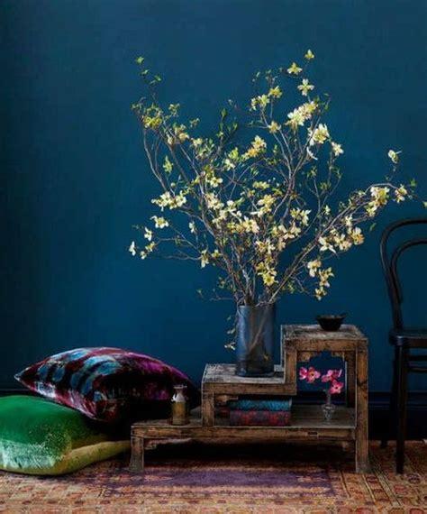 Farbpalette Zum Streichen by Wand Streichen In Farbpalette Der Wandfarbe Blau