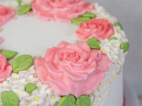 Hochzeitstorte Selber Machen by Einfache Hochzeitstorte Selber Machen Blumenkranz Torte