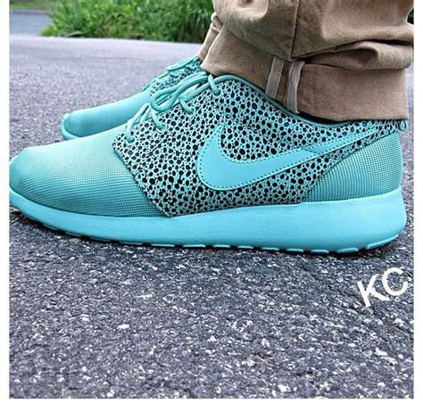 blue pattern roshe run nike a roshe run in tiffany blue color with elephant