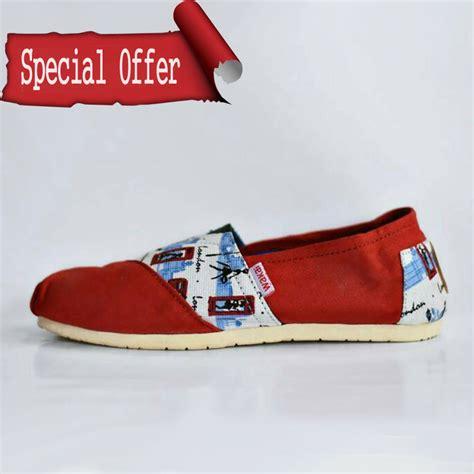 Sepatu Converse Pria Casual Ready 5 Warna Terlengkap Termurah sepatu wakai pria tribal grade ori grade ori