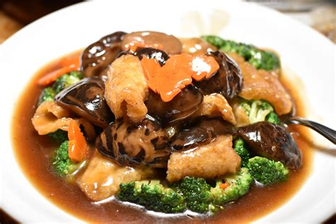 corner crab house satisfy your seafood and hong kong roast cravings at crab corner and heavenly duck
