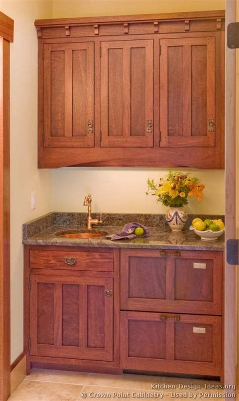 craftsman kitchen cabinets craftsman kitchen craftsman and mission style kitchens on