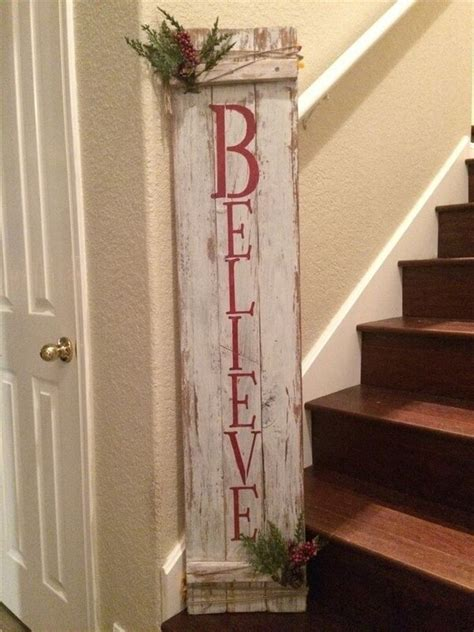 christmas decorations made from wood pallets pallet ideas to decorate your house pallets designs