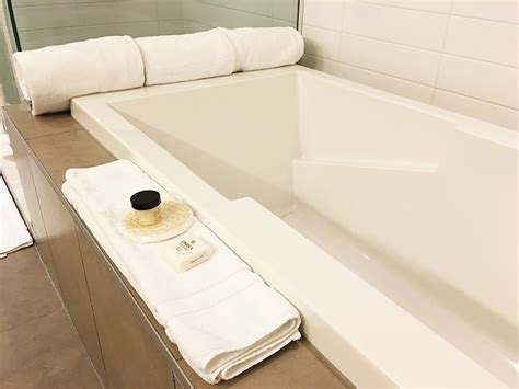 bathtubs montreal hotel le crystal montreal reviews a family friendly hotel