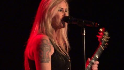 lita ford height lita ford live quot is back quot arlington heights il 1 7