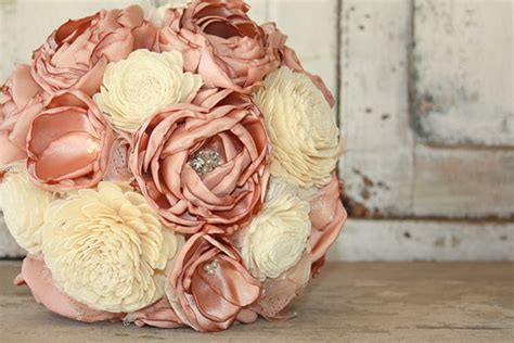 Flower Ideas Gold Wedding by Beautiful Gold Wedding Bouquet Ideas Bridalore
