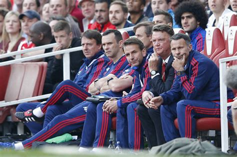 man utd bench louis van gaal is amazed by manchester united collapse