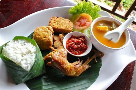 Bacem Caramel Tempe Tahu Yukas Khas Bandung nasi timbel bawean bandung gotravelly