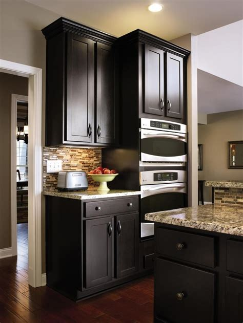 Sarsaparilla Color Cabinets by Aristokraft S Modern Sarsaparilla Is A Rich Finish