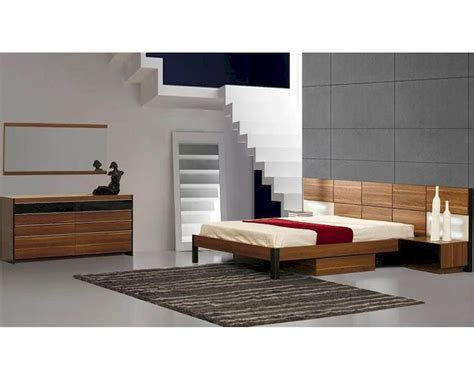Light Walnut Bedroom Furniture Modern Light Walnut Finish Storage Bedroom Set Made In Italy 44b6711