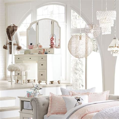 bedroom vanities a new female s best buddy dreams house best 25 pb teen ideas on pinterest pb teen bedrooms pb