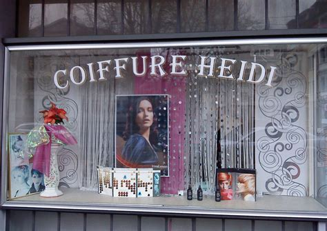 Schaufensterbeschriftung Friseur by Haarige Zeiten Dare