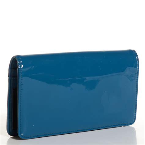 chanel patent make up yen wallet blue 101590