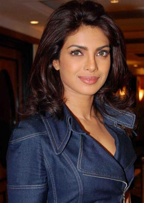 priyanka chopra recent hairstyle actress priyanka chopra new sexy nude and bra showing rare