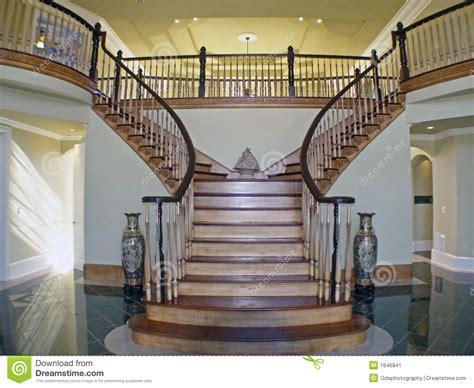 foyer treppen treppe kasten foyer stockbild bild 1646841