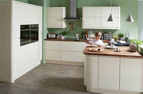 cooke and lewis kitchen cabinets cooke lewis appleby high gloss cream with integrated