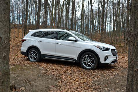 Santa Kia by 2017 Kia Sedona Vs 2017 Hyundai Santa Fe Autoguide News