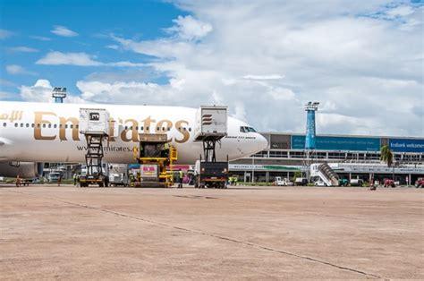 emirates zambia zambia welcomes emirates boeing 777