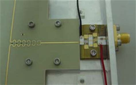 monolithic microwave integrated circuit power lifiers amiba the array for microwave background anisotropy