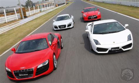Lamborghini Gallardo Vs Audi R8 Lamborghini Gallardo Lp560 4 Vs Audi R8 5 2 Vs Audi R8 4 2