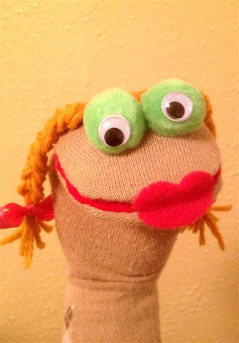 sock puppets patti wagon procrastination at its best