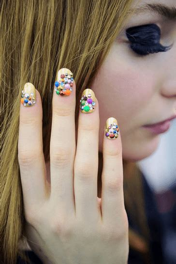 nail trends fall   perennial style