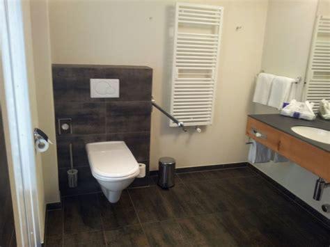 Behindertengerechte Badezimmerarmaturen by Community Behindertengerechte Badezimmer Paraplegie