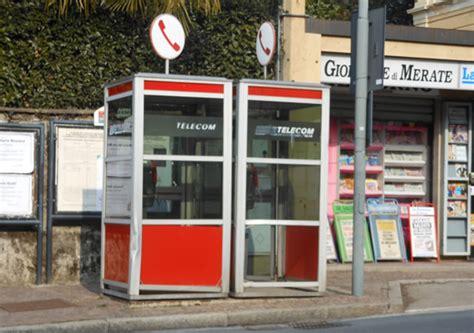 telecom cabine telefoniche in provincia di lecco oltre 400 telefoni pubblici 125