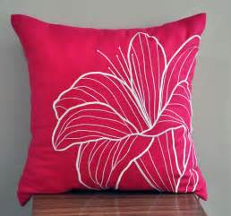 Pink Pillows by 25 Best Ideas About Pink Throw Pillows On