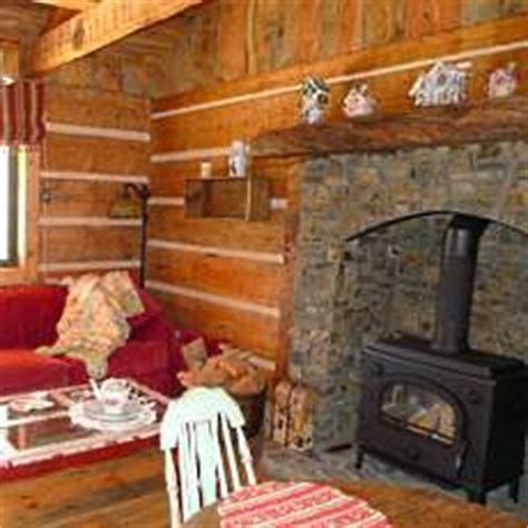 Small Cabin Fireplace by Small Log Cabins Big Hearths