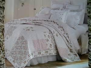 Vintage Chic Bedding Sets Vintage Chic Bedding Ensemble Floral Patchwork Quilt