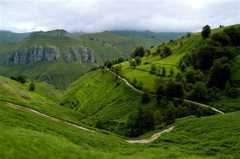 imagenes montañas verdes prados de monta 241 a fotos de montes de cantabria
