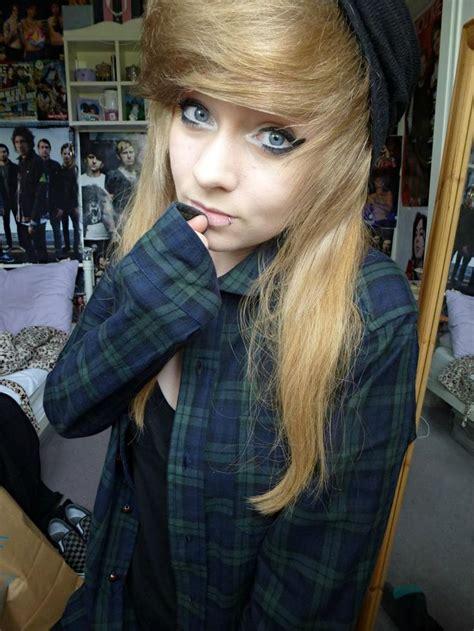 1000 images about cute selfies on pinterest scene hair emo scene cute blue eyes shirt selfies portrait