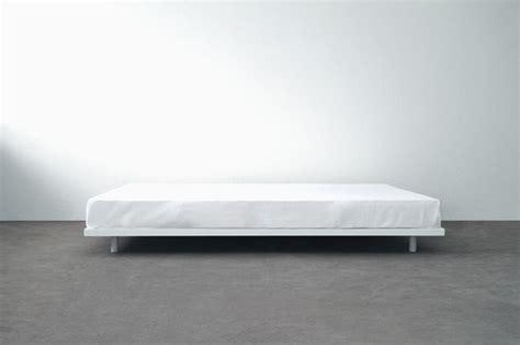 niedriges bettgestell basic bed atelier alinea produkt