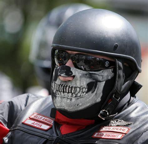 Motorradclub Frankfurt Oder by Motorradcorso Hunderte Rocker Demonstrieren Gegen Club