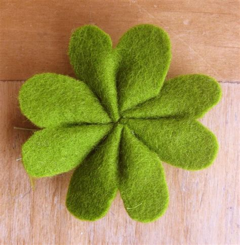 Four Leaf Clover Hairband shamrock barrette you can use scraps of felt for this