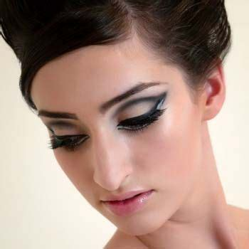 Make Up Beautistyle how to apply 1960 s style eye makeup