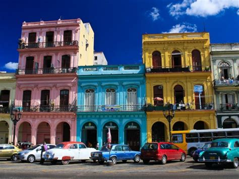 cuban colors besieged by color in 187 lahabana