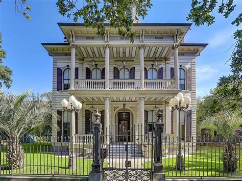 Southern Plantation Style Homes landmark victorian mansion 2 395 000 pricey pads