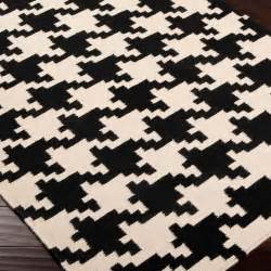 Houndstooth Area Rug 17 Best Images About Magic Carpet On Carpets And Bobs