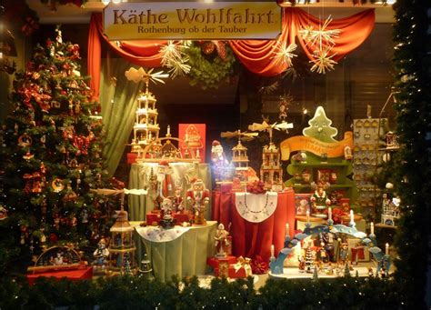 mighty lists  amazing department store christmas window